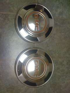 GMC truck Jimmy Suburban stock hubcaps 1/2 ton 2wd 4wd great condition