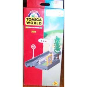 TOMICA WORLD Road & Rail System 7514 Traffic Light Toys
