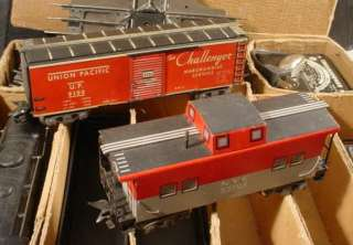 VINTAGE MARX STREAM LINE 999 LOCOMOTIVE FREIGHT CAR SET W/ BOX 25224