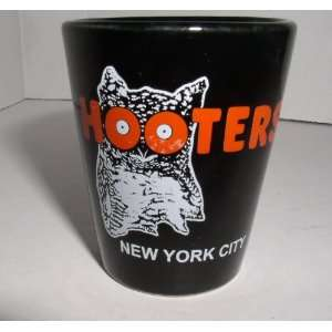 com HOOTERS NEW YORK CITY BLACK ONE OUNCE SHOT GLASS Everything Else