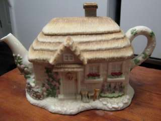 STUNNING LENOX THE IRISH BLESSING TEAPOT FIGURAL COTTAGE SHAMROCK