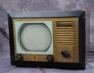 ANTIQUE EMERSON MODEL 639 TABLE TOP TELEVISION SET