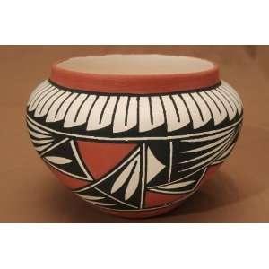 Native American Pueblo Pottery Vase 6x5  Acoma (180