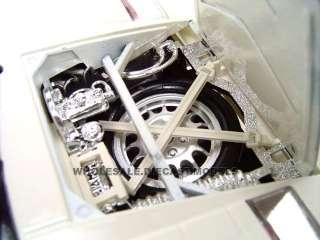 LAMBORGHINI COUNTACH 5000 WHITE 118 DIECAST MODEL