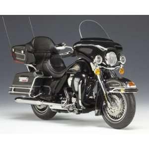 Harley Davidson 2009 FLHTCU Ultra Classic Black 112 Toys