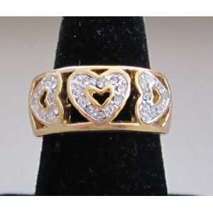Fashion Ladies Ring   Gold Tone Band w 3 Crystal Heart