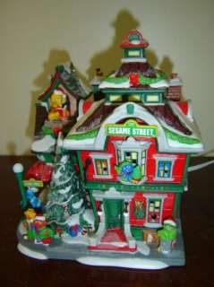 DEPT 56 SESAME STREET AT THE NORTH POLE LIGHTED CHRISTMAS VILLAGE