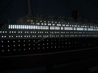 Queen Elizabeth Limited 40 w/LED LIGHTS Model Ship