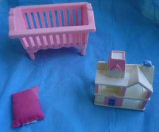 PLAYSKOOL VICTORIAN DOLLHOUSE FURNITURE BABY DOLL FIGURE NURSERY CRIB