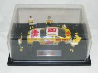 1992 NASCAR RACING CHAMPIONS MAC TOOLS # 28 & PIT CREW