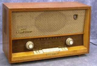 MAJESTIC Model 2065 USA Tube Table Radio Shortwave W.Germany