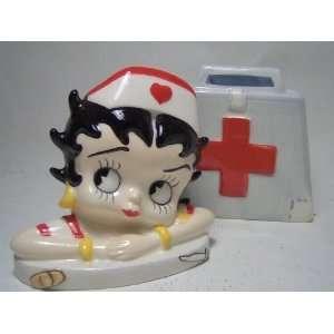 Nurse Betty Boop Salt & Pepper Shaker Set s/p
