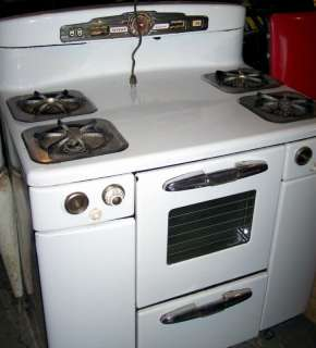 Vintage Tappan Deluxe Gas Stove, Needs Restoration.