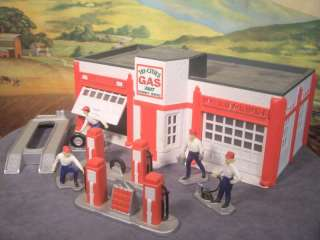 Scale Built Model TRI CITIES GAS SERVICE STATION with Pumps, Figures